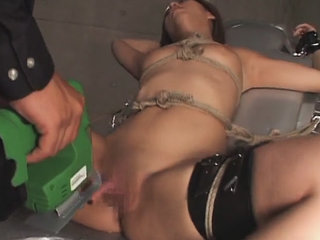 Sexy Japanese woman given high speed toy sex